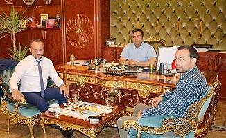 Özbek'e hayırlı olsuna gittiler