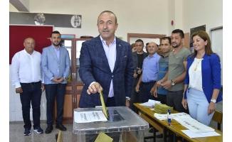 Bakan Çavuşoğlu, Alanya'da Oyunu Kullandı