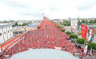 Çorbacı: Mitinge  100 bin kişi katıldı