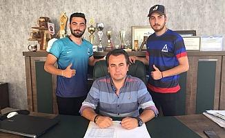 Mahmutlarspor 5 oyuncuya imza attırdı