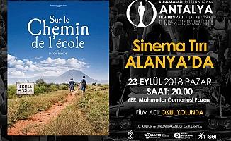 Büyükşehirden Mahmutlar'da sinema keyfi