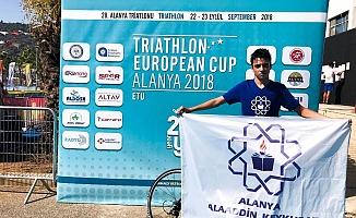 Triathlon'a Alaaddin Keykubat Kolejli damgası