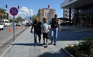 Eski emniyet müdürüne FETÖ'den 8 yıl hapis cezası