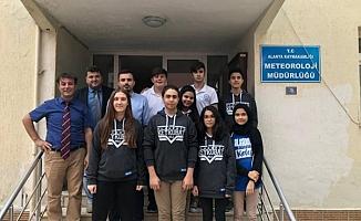 Öğrenciler coğrafya dersini Meteoroloji Genel Müdürlüğü'nde işledi