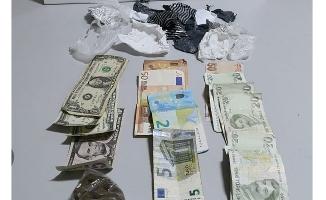 Otomobilde eroin ve kokain bulundu