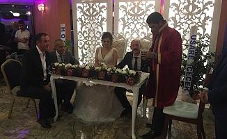 Muhteşem bir düğünle evlendiler