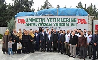 Antalya'dan Suriye'ye 2 yardım tırı