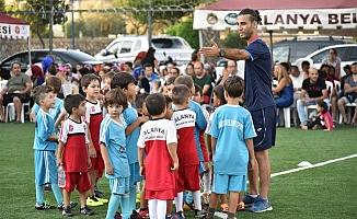 Futbol okuluna büyük ilgi