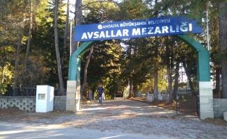 Avsallar'daki mezarlıklara yoğun bakım