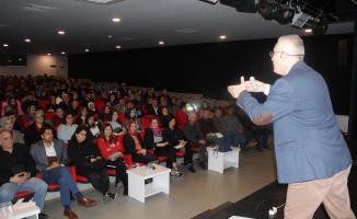 Alanya'da yılın ilk seminerine yoğun ilgi