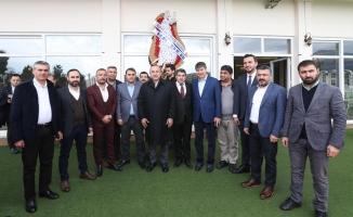 Bakan Çavuşoğlu memleketi Alanya'da STK'larla buluştu