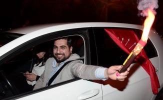 Alanya'da CHP'lilerin mazbata sevinci