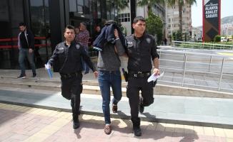 Alanya'da kız meselesi kanlı bitti: 1 ağır yaralı, 1 tutuklu