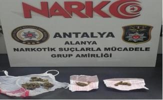 Alanya polisinden uyuşturucu tacirleri kaçmadı!