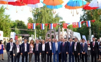 Başkan Böcek Rusya'da, Türkiye festivaline katıldı