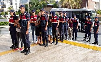 Alanya'da fuhuş operasyonuna 5 tutuklama