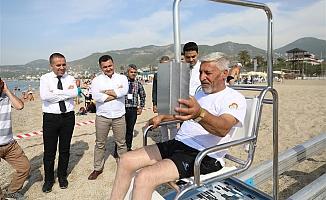 Alanya Belediyesi'nden engelsiz plaja örnek proje!