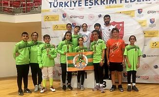Alanyaspor Eskrim takımı Konya'dan 5 madalyayla döndü