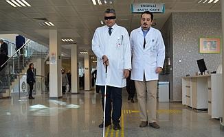 Alanya'da Başhekim baston ve bantla hastaneyi gezdi