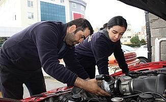 Alanya'da Tuğba'nın hedefi Türkiye'nin en iyi tamircisi olmak