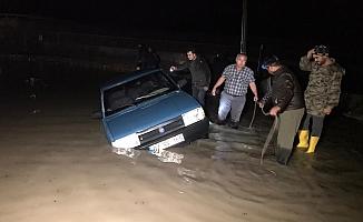 Su basan seralarda tahliye işlemleri devam ediyor