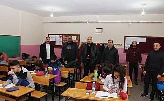 500 öğrenci deneme sınavında ter döktü