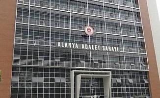 Alanya'da aranan şahıslara yönelik operasyon! 13 kişi yakalandı