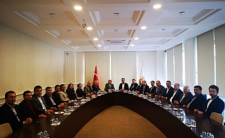 Alanya'da CHP'den Ak Parti'ye iade-i ziyaret