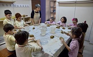 Çocuklar yeteneklerini Tepebaşı'nda keşfediyorlar