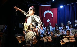 Nazilli'de 'Bizden Türküler' dinleyenleri coşturdu