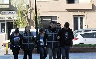 Pazarcı kılığına giren polisten yankesicilere suçüstü