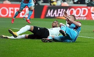Süper Lig: Beşiktaş: 0 - Trabzonspor: 1 (İlk yarı)