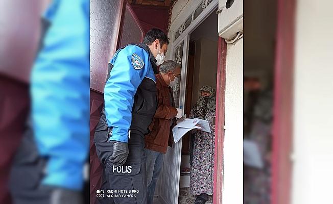 Bayburt'ta sosyal yardım paraları evlere teslim edilmeye başlandı