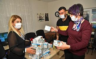 Çukurova'da ücretsiz maske dağıtımı