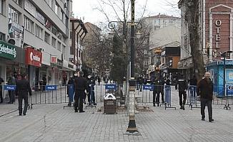 Kütahya'da işlek alanlarda kalabalık oluşumuna izin verilmeyecek
