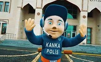 Siirt Emniyeti'nden 'Kanka Polis' maskotuyla çocuklara evde kal mesajı