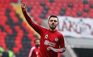 Sivassporlu Emre Kılınç mekik çekerek meydan okudu!