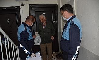 Zabıtadan 65 yaş üstü vatandaşlara yardım eli