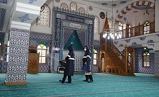 Akdeniz'de cuma namazı kılınacak 7 camide hazırlıklar sürüyor