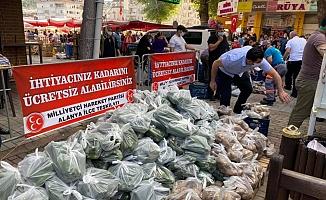 Alanya MHP'den vatandaşlara meyve sebze yardımı!