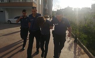 Apartmanda saklanan hırsızlık şüphelisini vatandaşlar yakaladı