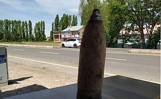 Ağrı'da bir bahçede tank topu mermisi bulundu