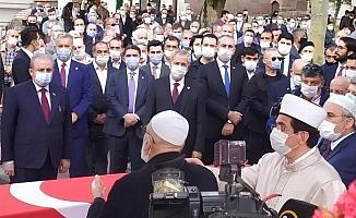 Ağrılı duayen siyasetçi Tekdal, son yolculuğuna uğurlandı