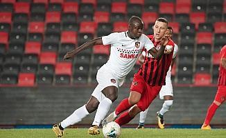 Gaziantep FK'dan stadyumda antrenman maçı