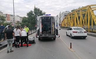 Kamyona arkadan çarpan motosiklet sürücüsü yaralandı