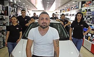 Piyango milyoneri Murat Tokmak'ı binlerce kişi takibe aldı