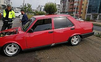 Polis, araçlarına abart egzoz takan sürücüleri cezasız bırakmadı