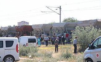 Yük treninin çarptığı adam öldü