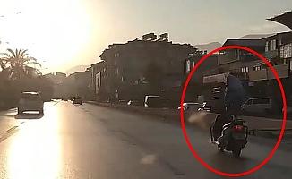 Alanya'da motosiklet üzerindeki şova polisten ceza