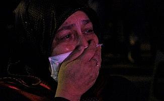 Asker annesi 15 Temmuz gecesi gözyaşlarını tutamadı